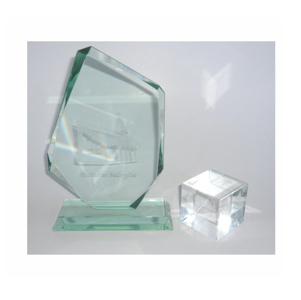 Stiklo suvenyrų graviravimas