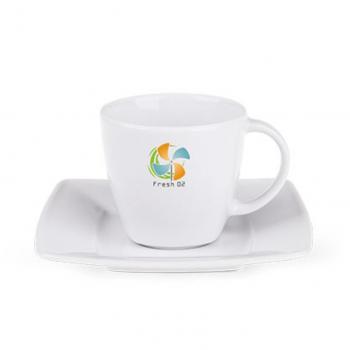 Porceliano puodelis su lėkštele